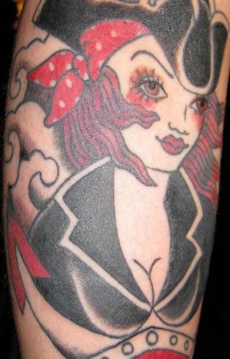 Tatuaggi pin up tattoo anni 50 immagini harley for Tatuaggi donne pin up